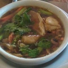 Photo taken at Lotsa Noodles by Devonne D. on 5/14/2012