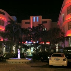 Photo taken at The Hall, A Joie D Vivre Hotel by Keila V. on 10/11/2011