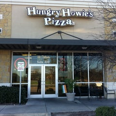 Photo taken at Hungry Howie's Pizza by David H. on 3/10/2011