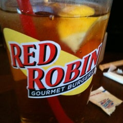 Photo taken at Red Robin Gourmet Burgers by Jennifer H. on 12/10/2011