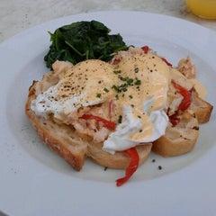 Photo taken at Vivace Italian Restaurant by Fergus H. on 8/12/2012