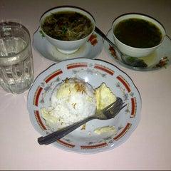 Photo taken at Minang Soto by Veeqee P. on 9/11/2012