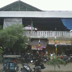 Photo taken at Pasar Kangkung by Maddin D. on 6/10/2012