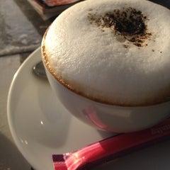 Photo taken at Vivi The Coffee Place by rhapithy 🐱👑 j. on 7/11/2012