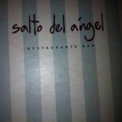 Photo taken at Salto del Ángel by Gustavo B. on 8/12/2012