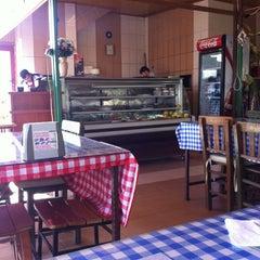 Photo taken at Kardeşim Pide Kebap Salonu by Arda A. on 2/8/2012