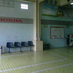 Photo taken at Honda Permata Hijau Automegah by DidiTH Ad! W. on 2/14/2012