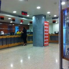 Photo taken at Centro de Atención Movilnet by Onni H. on 8/30/2012