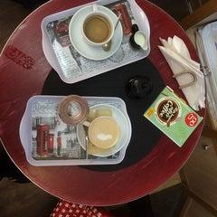 Photo taken at Tea & Eat by Bo P. on 11/15/2014