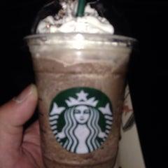 Photo taken at Starbucks Coffee ひたち野うしく店 by Takeshi O. on 3/12/2014