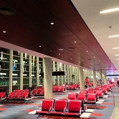 Photo taken at Aeropuerto Internacional de Ezeiza - Ministro Pistarini (EZE) by _Pablo D. on 4/1/2013