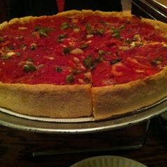 Photo taken at Lefty's Chicago Pizzeria by Josh S. on 10/27/2012
