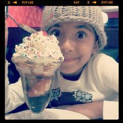 Photo taken at Farrell's Ice Cream Parlour by Joshua S. on 11/29/2012