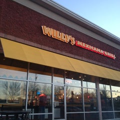 Photo taken at Willy's Mexicana Grill #20 by Isaac Y. on 1/20/2013