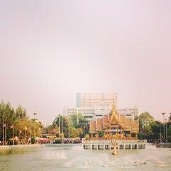 Photo taken at สระน้ำ มหาวิทยาลัยรามคำแหง by Sastr S. on 3/2/2014