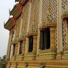 Photo taken at วัดบางหัวเสือ by Nema B. on 1/11/2015