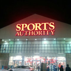 Photo taken at Sports Authority by t2yx on 11/8/2015