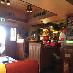 Photo taken at Frankie & Bennys by Glenn C. on 4/26/2014