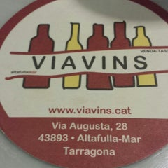 Photo taken at Viavins by Beatriz R. on 4/21/2014