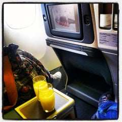 Photo taken at CX510 TPE-FUK / Cathay Pacific by Kenny Y. on 4/5/2013
