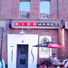 Photo taken at Bier Markt Esplanade by Rob N. on 6/21/2013