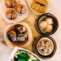 Photo taken at Yuan Garden Dim Sum House by Isabelle W. on 8/16/2014