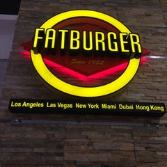 Photo taken at Fat Burger by Anıl Ç. on 1/28/2014