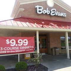 Photo taken at Bob Evans Restaurant by Denny R. on 4/25/2013