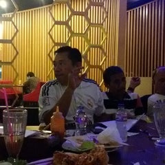 Photo taken at Solaria by Pudjo T. on 4/1/2015