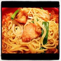 Photo taken at Pei Wei by Oscar E. on 12/20/2012
