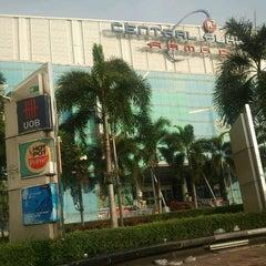 Photo taken at CentralPlaza Rama 2 (เซ็นทรัลพลาซา พระราม 2) by Wichai I. on 12/15/2012