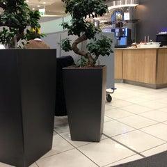 Photo taken at Lufthansa Business Lounge by wdb 0. on 2/13/2013