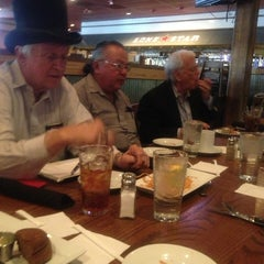 Photo taken at Lone Star Steakhouse & Saloon by LA S. on 4/5/2013