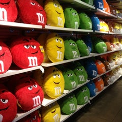 Photo taken at M&M's World by Itai N. on 3/19/2013