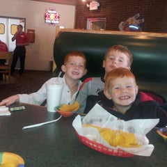 Photo taken at El Portal Mexican Restaurant by jeniffer k. on 10/28/2012