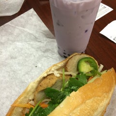 Photo taken at Huong Lan Sandwich IV & Fast Food by liza s. on 10/17/2015