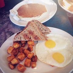 Photo taken at Cimona Cafe by meru on 1/16/2014
