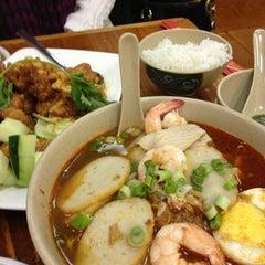 Photo taken at Taste Good Malaysian Cuisine 好味 by Chris P. on 3/19/2013