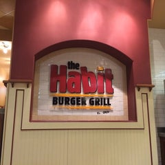 Photo taken at The Habit Burger Grill by Rodney B. on 9/1/2014