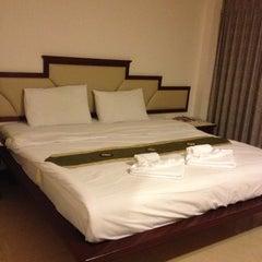 Photo taken at Mei Zhou Hotel by Tukta K. on 10/18/2012