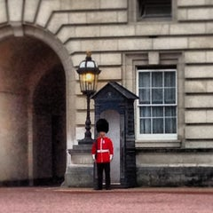Photo taken at Buckingham Palace by William L. on 6/28/2013