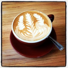 Photo taken at Blue Bottle Coffee by Anders C. on 3/31/2013