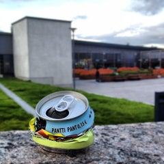 Photo taken at Entressen kirjasto by Baard H. on 10/11/2012