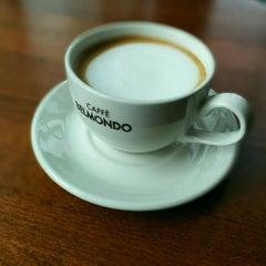 Photo taken at Caffè Belmondo by Nikita D. on 8/14/2015