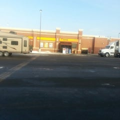 Photo taken at Love's Travel Stop by Lerone W. on 12/14/2012