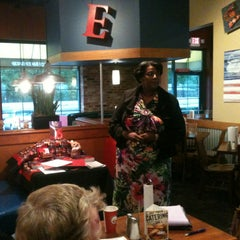 Photo taken at Fuddruckers by Marian L. on 4/11/2013
