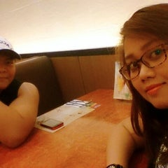 Photo taken at Max's Restaurant by ShikiGee Q. on 3/13/2015