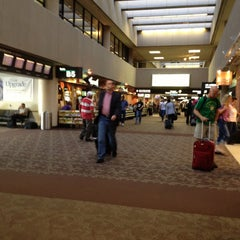 Photo taken at Terminal 4, Concourse B by Raúl Mario C. on 11/4/2012