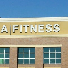 Photo taken at LA Fitness by Staxx M. on 10/25/2012