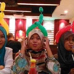 Photo taken at Pizza Hut by Imma I. on 1/13/2015